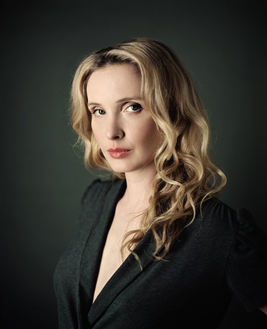 http://www.hoeltschi.com/files/gimgs/th-13_08_Julie Delpy.jpg