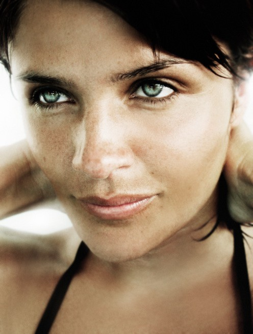 http://www.hoeltschi.com/files/gimgs/th-13_11_Helena Christensen.jpg