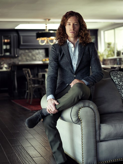 http://www.hoeltschi.com/files/gimgs/th-13_Shaun White_0005_v2.jpg